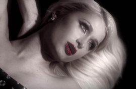 Paris Hilton Video: Drunk Sexting over a techno beat…