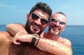 George Michael very alive and very happy: Look at my hawt bixch!