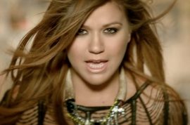 Kelly Clarkson addresses gay rumors – again