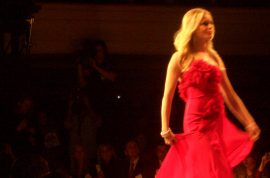 Red Dress hawt mess.