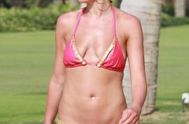 OMG! Danielle Lloyd goes from a size E breast cup back to AA.