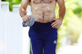 'New Girl's' Dermot Mulroney is a buff hawt bixch. Six pack jogger…