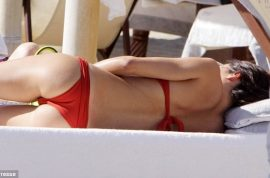 Flavio Briatore would like to show off his wife. Look what a billion bucks can buy you!