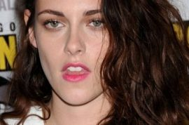 Should Kristen Stewart have apologized about having an affair?