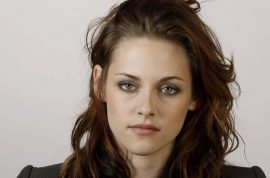 Kristen Stewart apology thought to be career suicide.