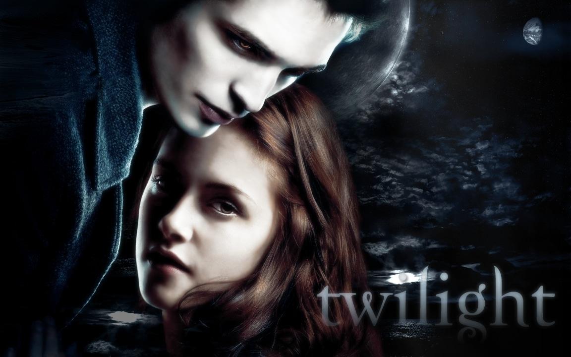 compare dracula and twilight