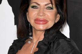 Oh my! Sylvester Stallone's 90 year old mother drops by at the Expendables premiere. Such nice fat lips too…