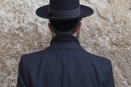 Orthodox Jewish men have a new weapon against sexual temptation. Blurred glasses.