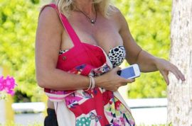 Oh my! Rachel Hunter, Rod Stewart's ex is looking rather worse for wear.