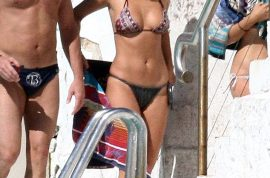 Aussie model Lara Bingle shows off in her bikini. Rising media star…