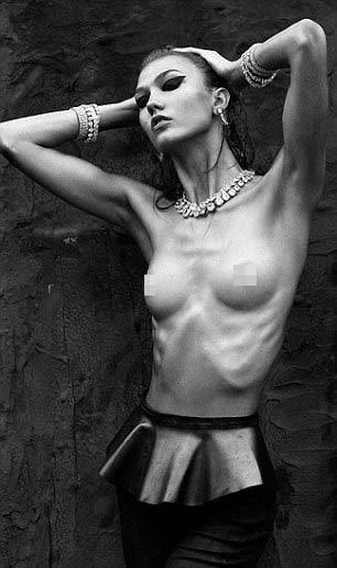 Karlie Kloss airbrush nude