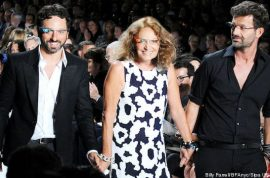 Diane von Furstenberg 2013 Spring collections introduces google glasses.