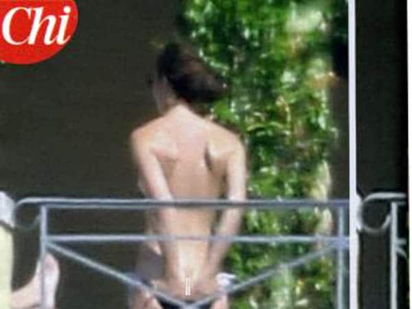 Kate Middleton sunbathing.Images via Chi.