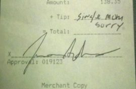 Woman leaves 'Single mom sorry' tip on a $138 bill. Reddit post leads to heated exchanges…