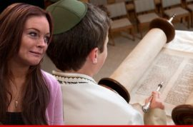 Lindsay Lohan insists she does not do bar mitzvahs!