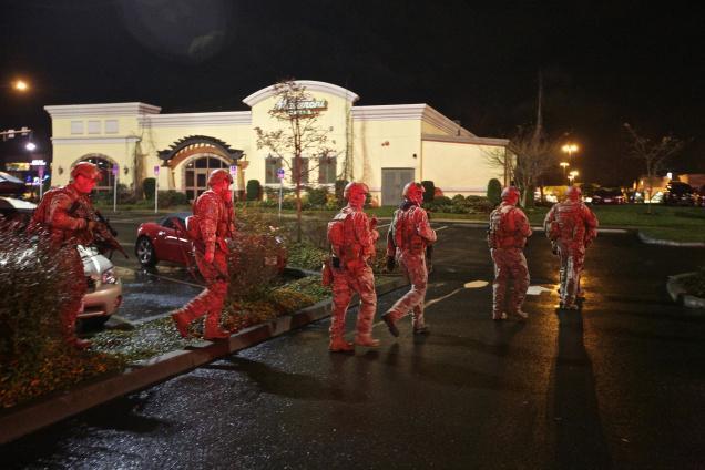 Tactical team moving through Clackamas Town Center