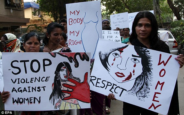 Indian woman gang raped dies