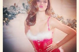 And this is Miranda Kerr in her perky Christmas outfit.