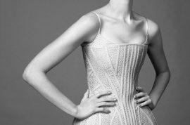 Anne Hathaway tells Harper's Bazaar she's got no sex appeal.