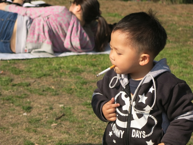 Shanghai's smoking baby
