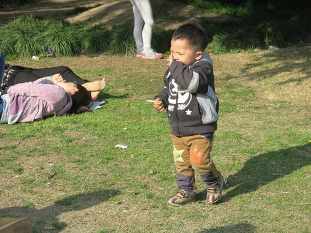 Shanghai's smoking baby