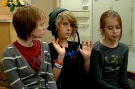 School girl Ambri Tygard sues school after elevator disfigures her.