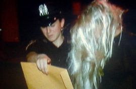 Amanda Bynes arrested after throwing bong out window. Taken to psychiatric hospital…