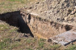 Rape suspect Santos Ramos buried alive alongside his victim's grave.