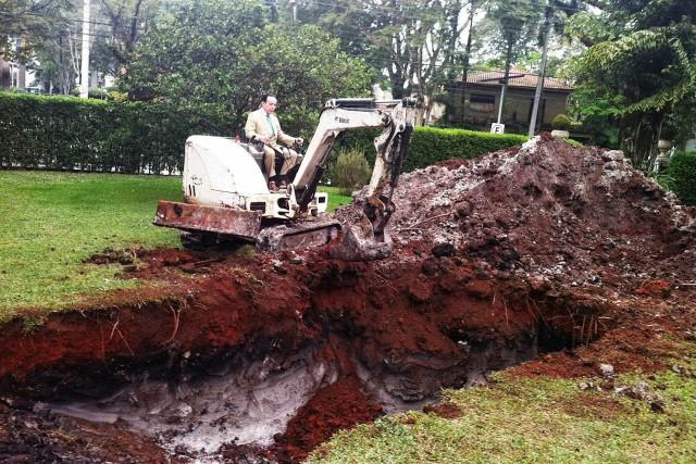 Brazilian man buries Bentley