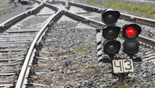 Sex on railway tracks: Woman killed and man loses both legs