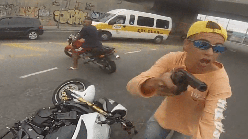 Brazilian undercover cop shoots man dead attempting to steal motorbike.