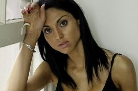 Lisa Harnum threw herself off balcony because of eating disorder struggle.
