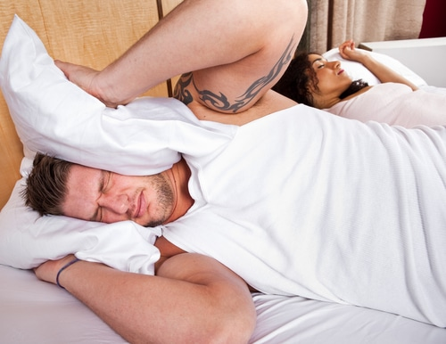 Man calls 911 cause his one night stand was snoring