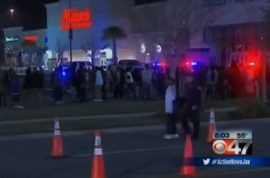 Six hundred strong brawl breaks out at Hollywood River City 14 movie theater.
