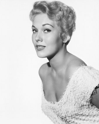 Kim Novak plastic surgery face