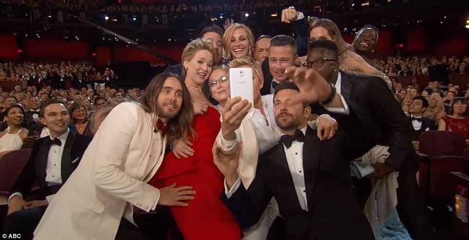 Ellen Degeneres twitter selfie