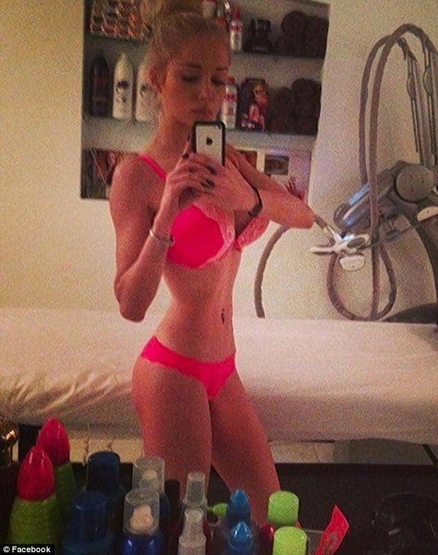 Human Barbie Valeria Lukyanova selfie. But where's the ...