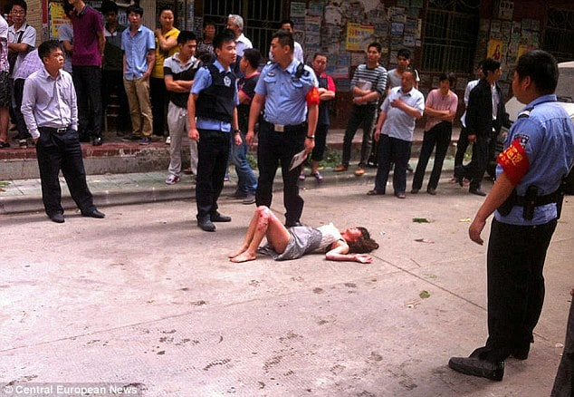 Chinese man blows self and pregnant woman with gas canister