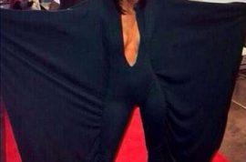 Rihanna cyberbullyies Alexis Carter who dressed like her idol
