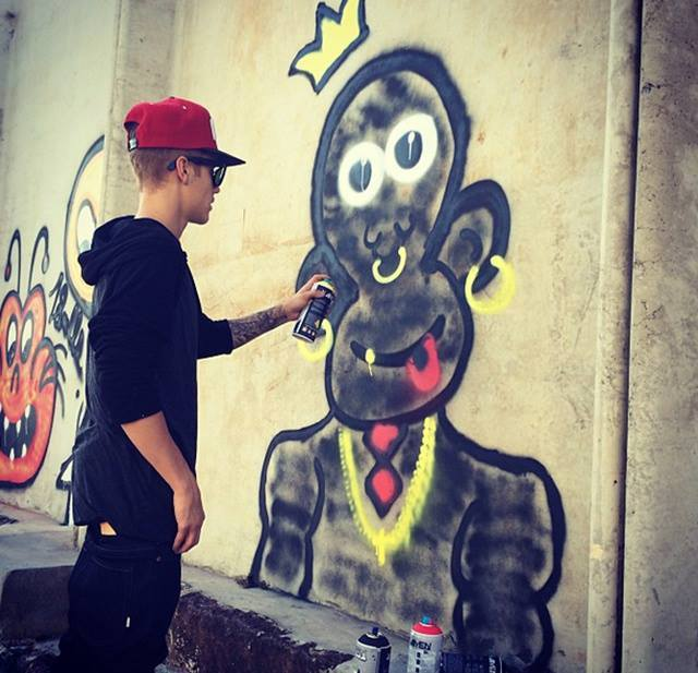 Justin Bieber blackmailed by TMZ