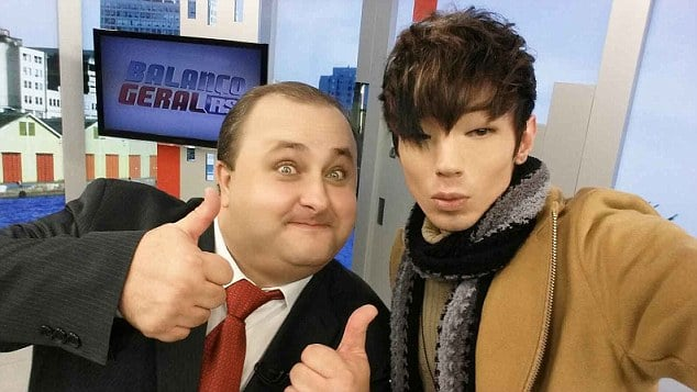 white guy get plastic surgery to look like a Korean guy
