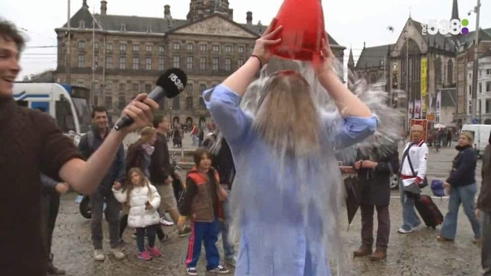 Dutch student runs around naked in Amsterdam