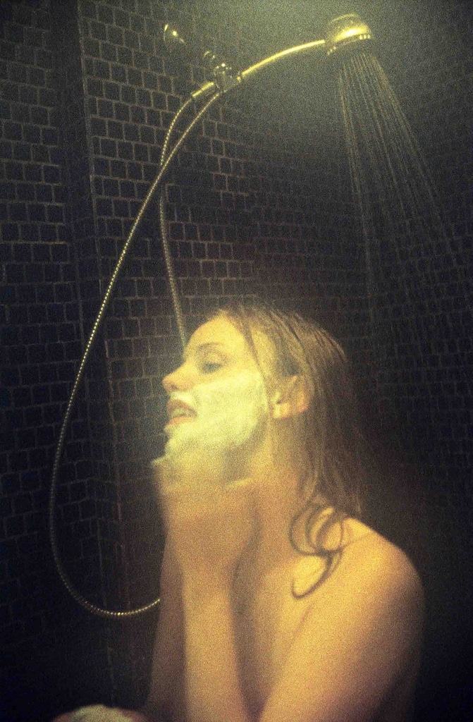 Kelli Garner naked