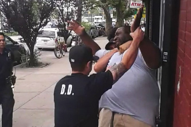 Couple mock Eric Garner chokehold