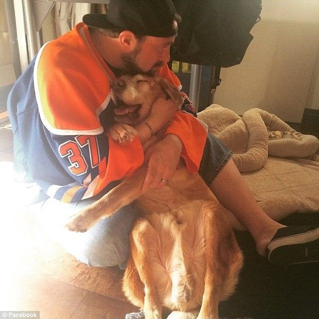 Director Kevin Smith dying dog