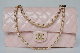 Chanel Madison Avenue store heist: Thieves steal $150 000 worth of handbags