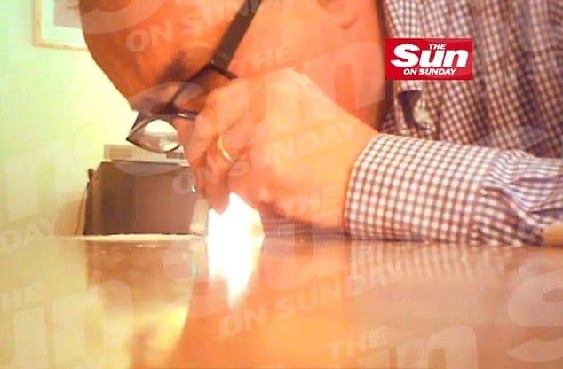 Baron John Sewel snorting coke