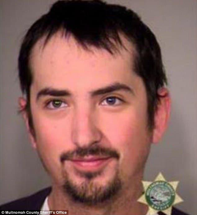 JetBlue passenger, Jeff Rubin urinates