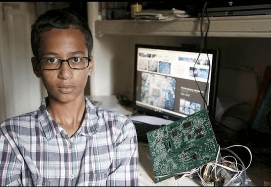Ahmed Mohamed clock teacher