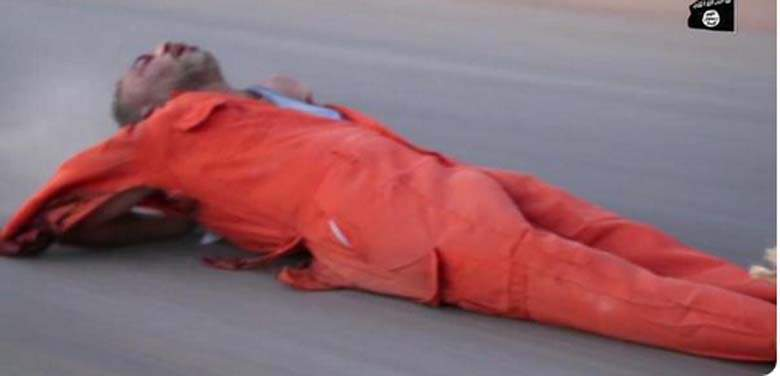 ISIS kills 2 Libyan spies dragging them behind truck